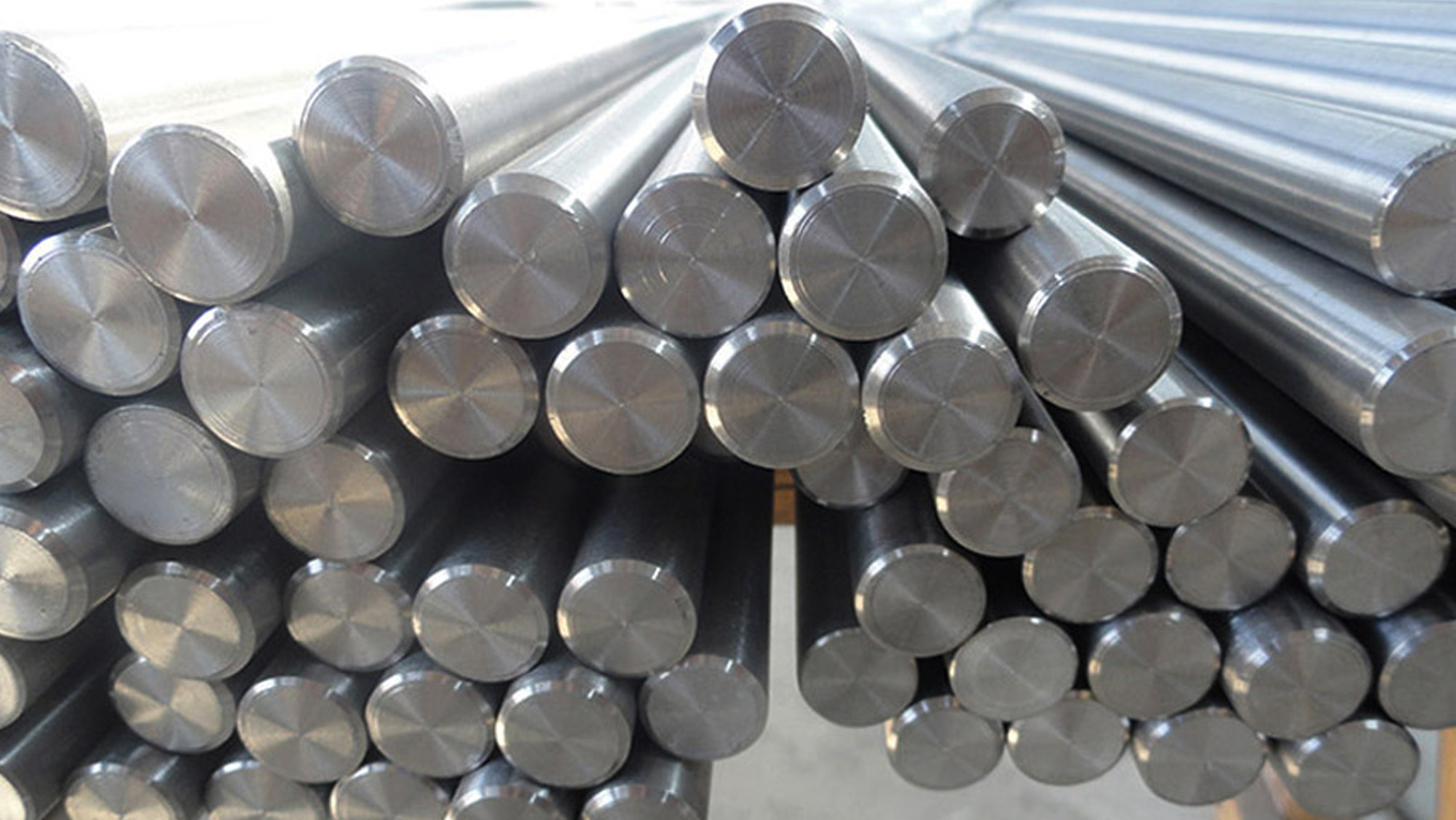 Opening and multi-directional upsetting of titanium alloy rod forging process